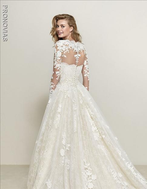 PRONOVIAS DRUMSA OFF WHITE CHANTILLY LACE JACKET BACK