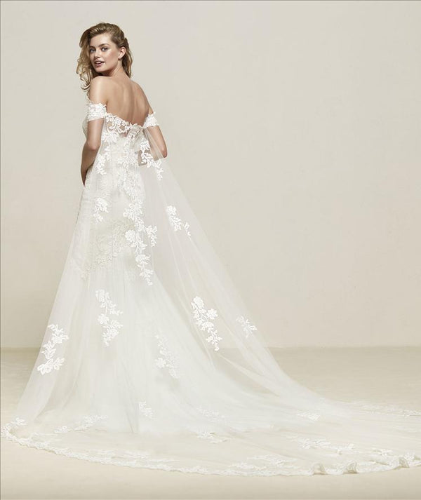 Drimea  Cape Pronovias Veil Sample Sale