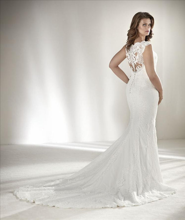 Drusila Plus Pronovias wedding dress
