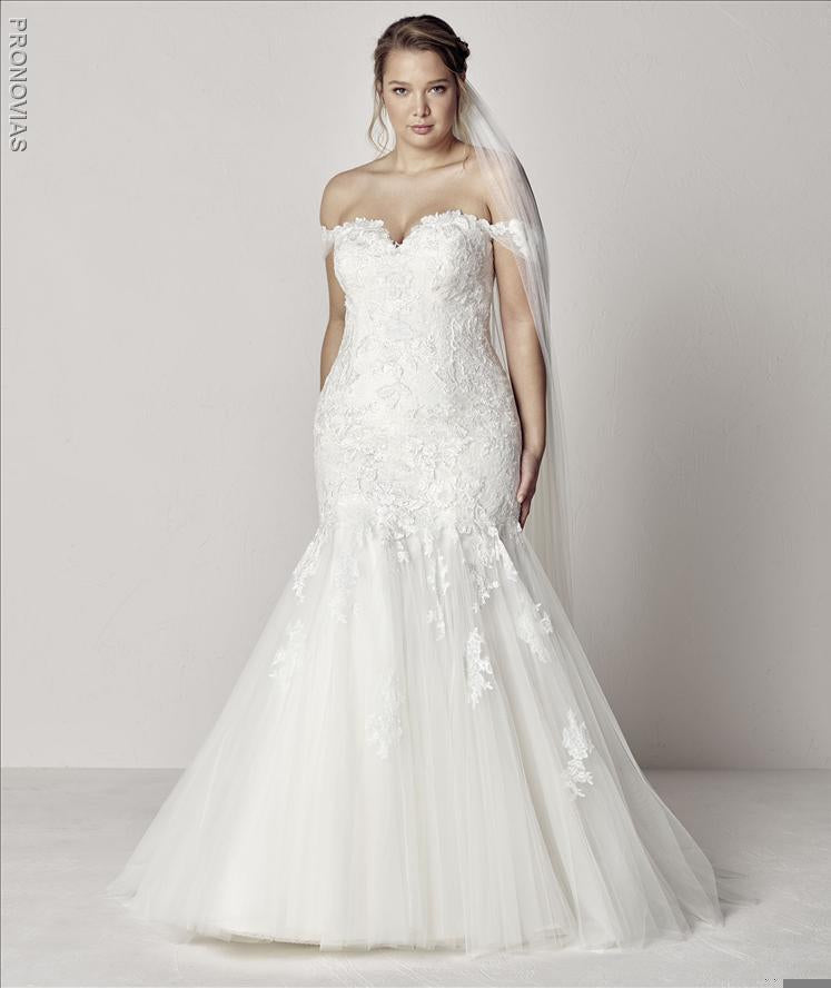 Extrem Plus Pronovias Wedding Gown Sample Sale