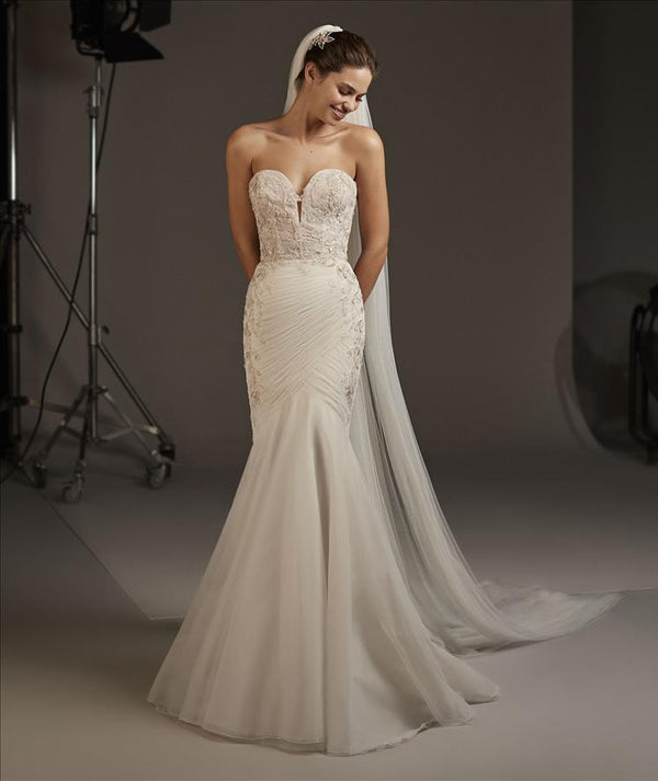 Halo Pronovias Mermaid Dress
