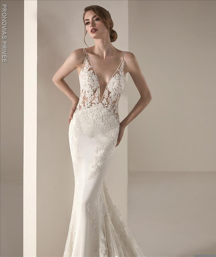 ILEAS Pronovias  Deep V-neck