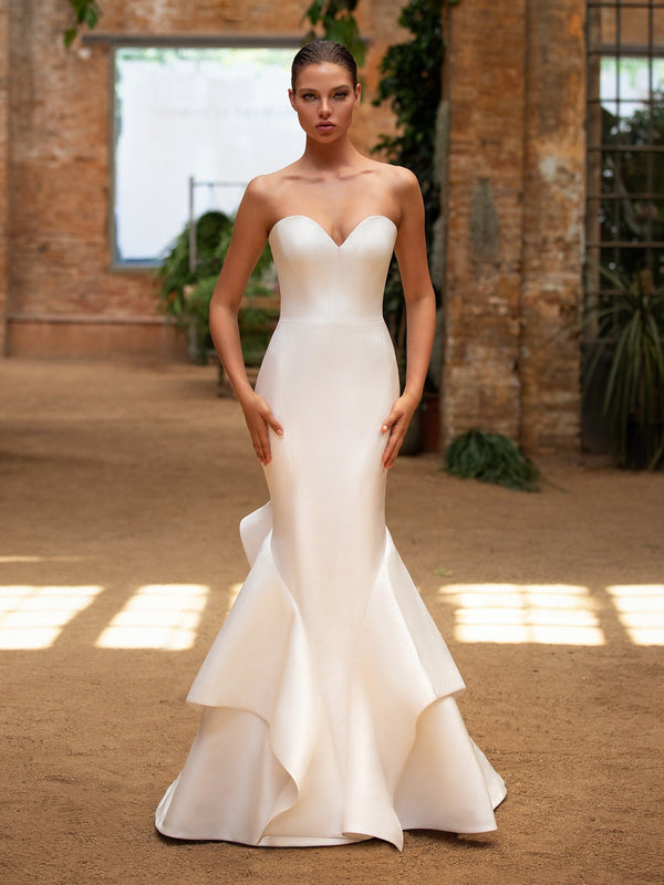 Pronovias Katie Glamour Wedding Gown Sweetheart neckline