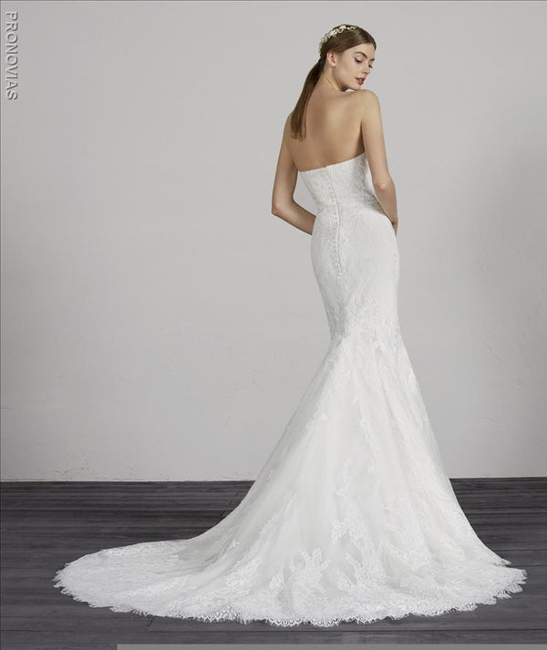 weddind dress Pronovias MAIKA lace straplass coset sample sale