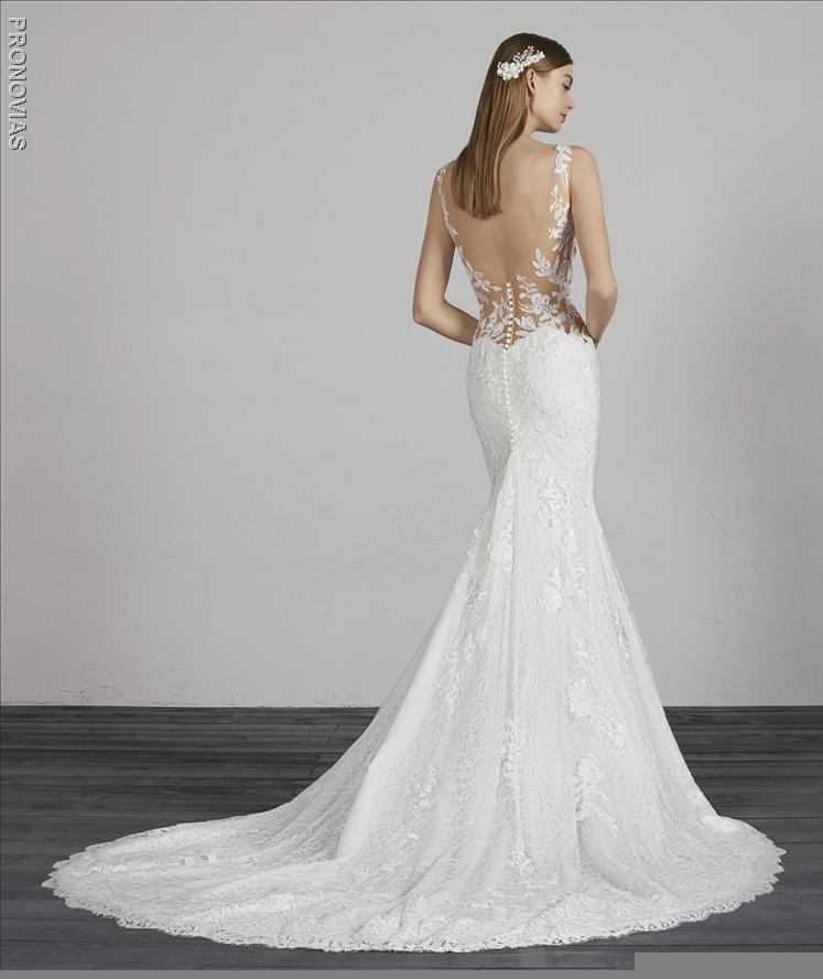 Pronovias Morocco Wedding dress in lace with mermaid cut, V-neck  illusion back