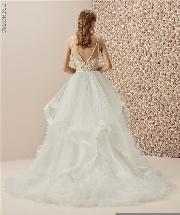 pronovias Muselin ball gown wedding dress