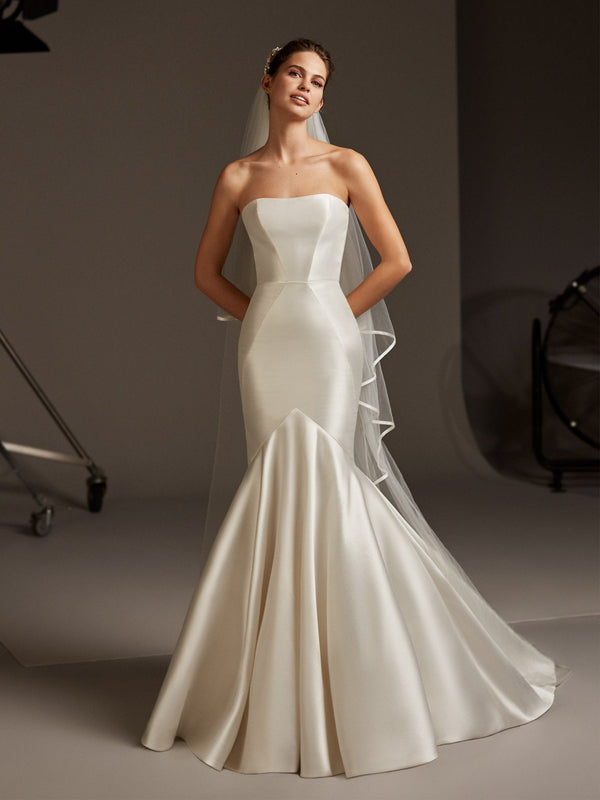 Pronovias OBERON Strapless mermaid dress in mikado