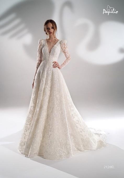 Sparkly lace V-neck ball gown with sleeves