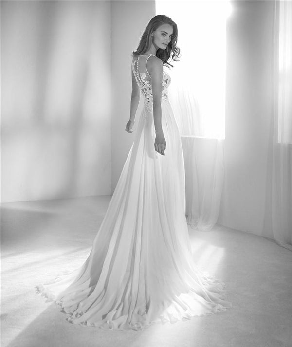 Riada Pronovias Atelier bridal sample sale