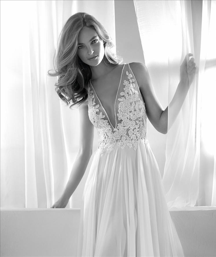 Bridal Sample sale Riada Pronovias