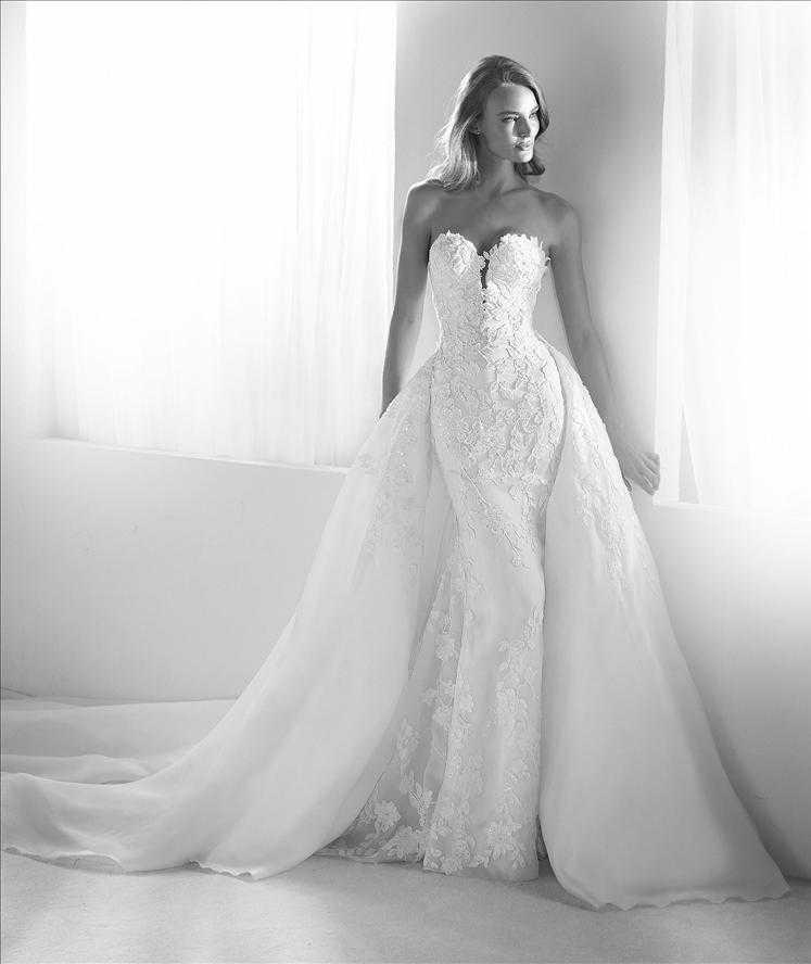 Rodas wedding dress with overskirt Pronovias