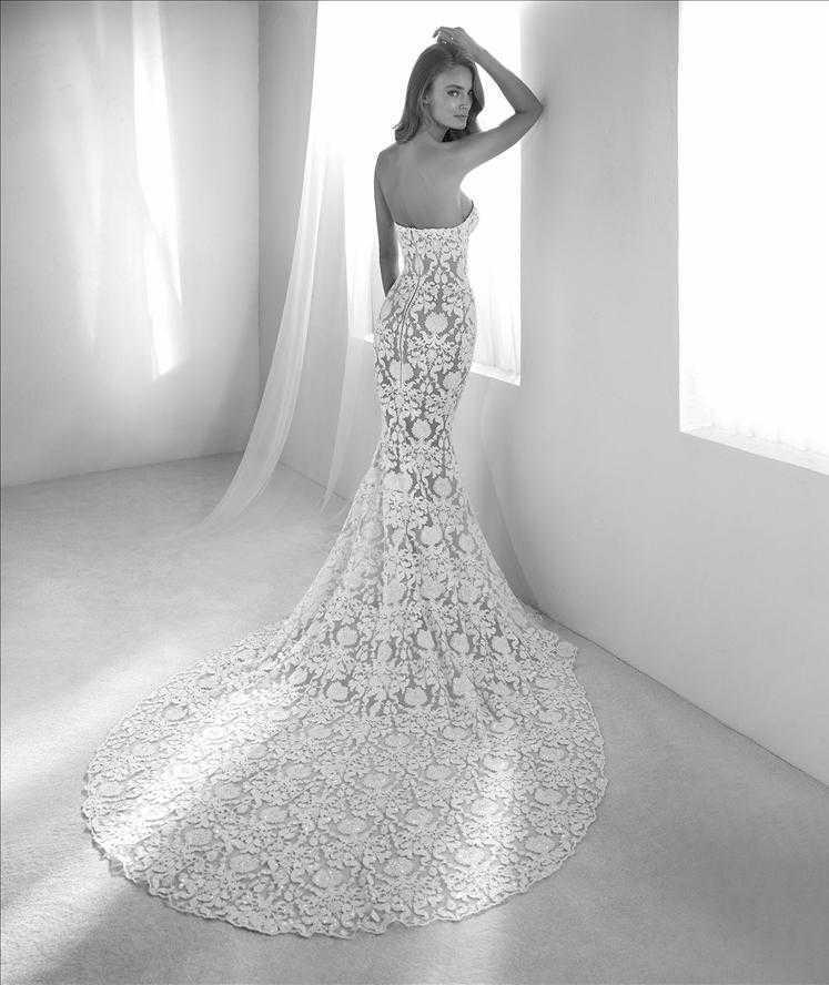 Runis Pronovias Beaded Lace