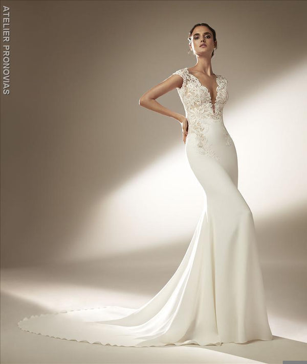 Pronovias Swanson Mermaid wedding dress with V-neck
