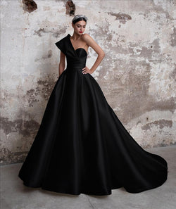 Pronovias Toutmaline Black Wedding gown grey dress with princess cut  asymmetrical neckline and cap sleeves