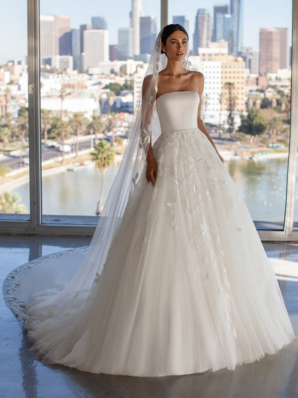 Pronovias GRAYSON CC2021 - Princess wedding dress with strapless neckline and open back