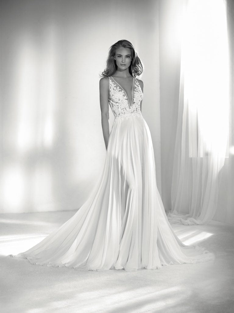 Riada Pronovias Atelier wedding dress