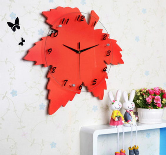 Flaming simple maple leaf wall clock