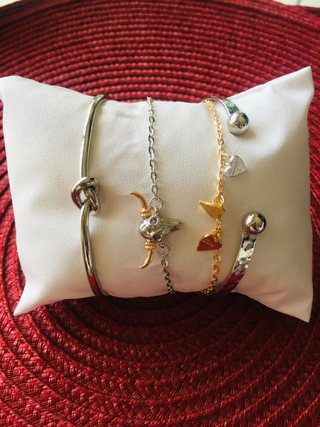 4pcs Mixed Gold/Silver Charm Bracelets/Bangle for Women