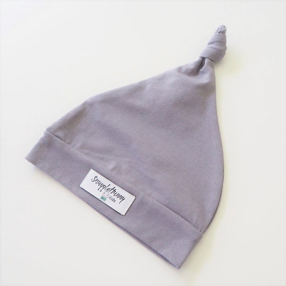 Knotted Beanie in Grey by Snuggle Hunny Kids - Mama Kisses