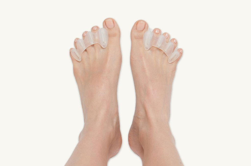 Displaying barefoot minimalist shoes correct toes.jpg