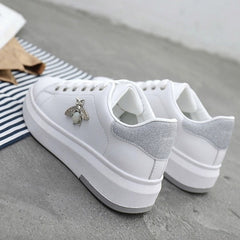 Women Casual Shoes 2020 New Women Sneakers Fashion Breathable PU Leather Platform White Women Shoes Soft Footwears Rhinestone