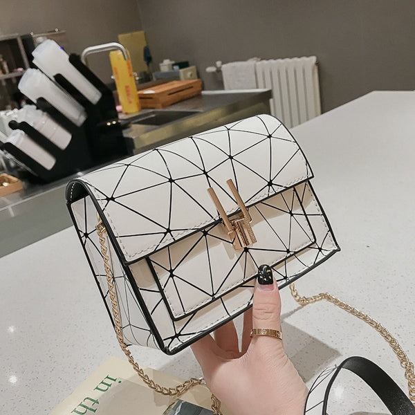 Women Shoulder Bags summer new Korean version of the Messenger bag handbag chain wild crack printing wild shoulder bag