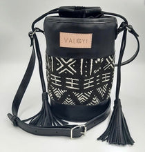 Load image into Gallery viewer, Handmade Bags made from genuine leather and hand painted bogolan cloth