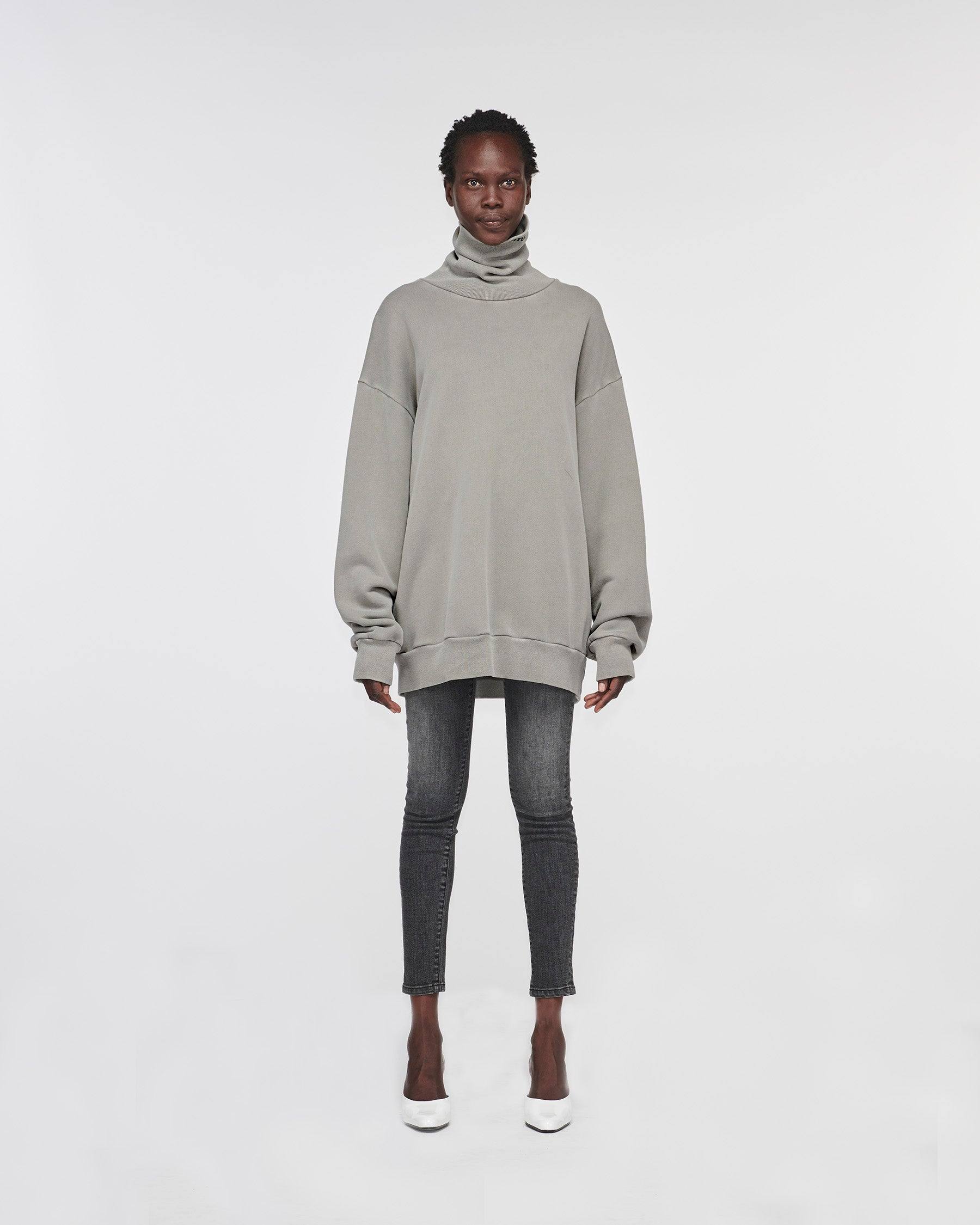 Silverlake Turtle Neck Sweater Grey
