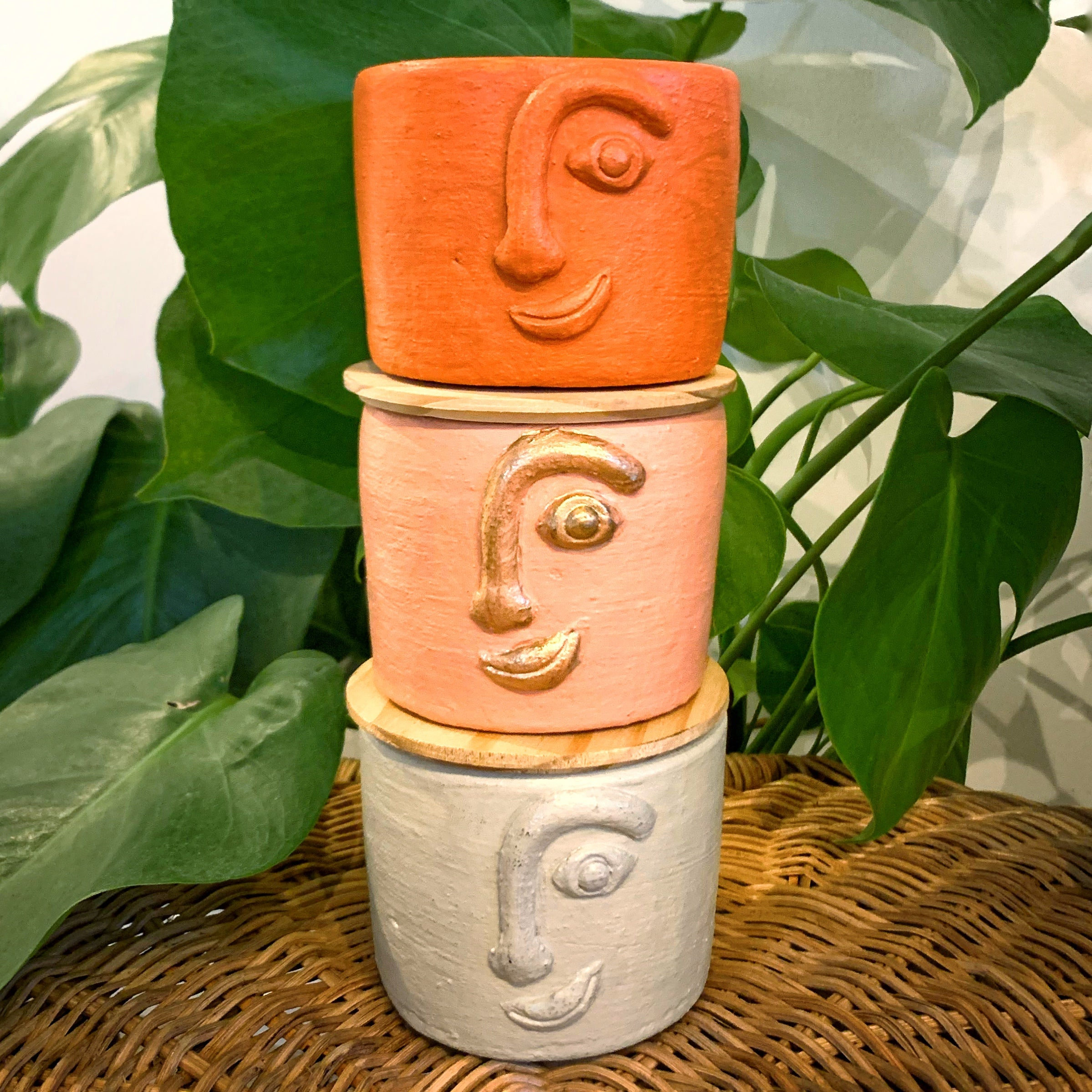 ON PRE-ORDER: Handcrafted Hiwaga Face Pot
