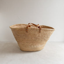 Load image into Gallery viewer, Preloved straw market bag - Claudette