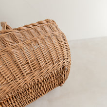 Load image into Gallery viewer, Vintage straw basket - Gilbert