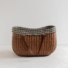 Load image into Gallery viewer, Vintage straw basket - black and white