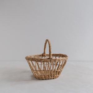 Vintage straw basket - small