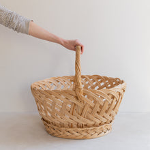 Load image into Gallery viewer, vintage straw basket