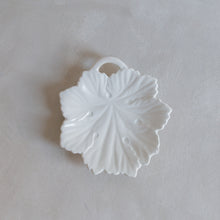 Load image into Gallery viewer, Vintage soap dish leaf - porcelain