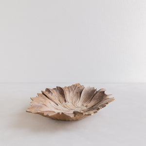 Vintage wooden bowl - leaf