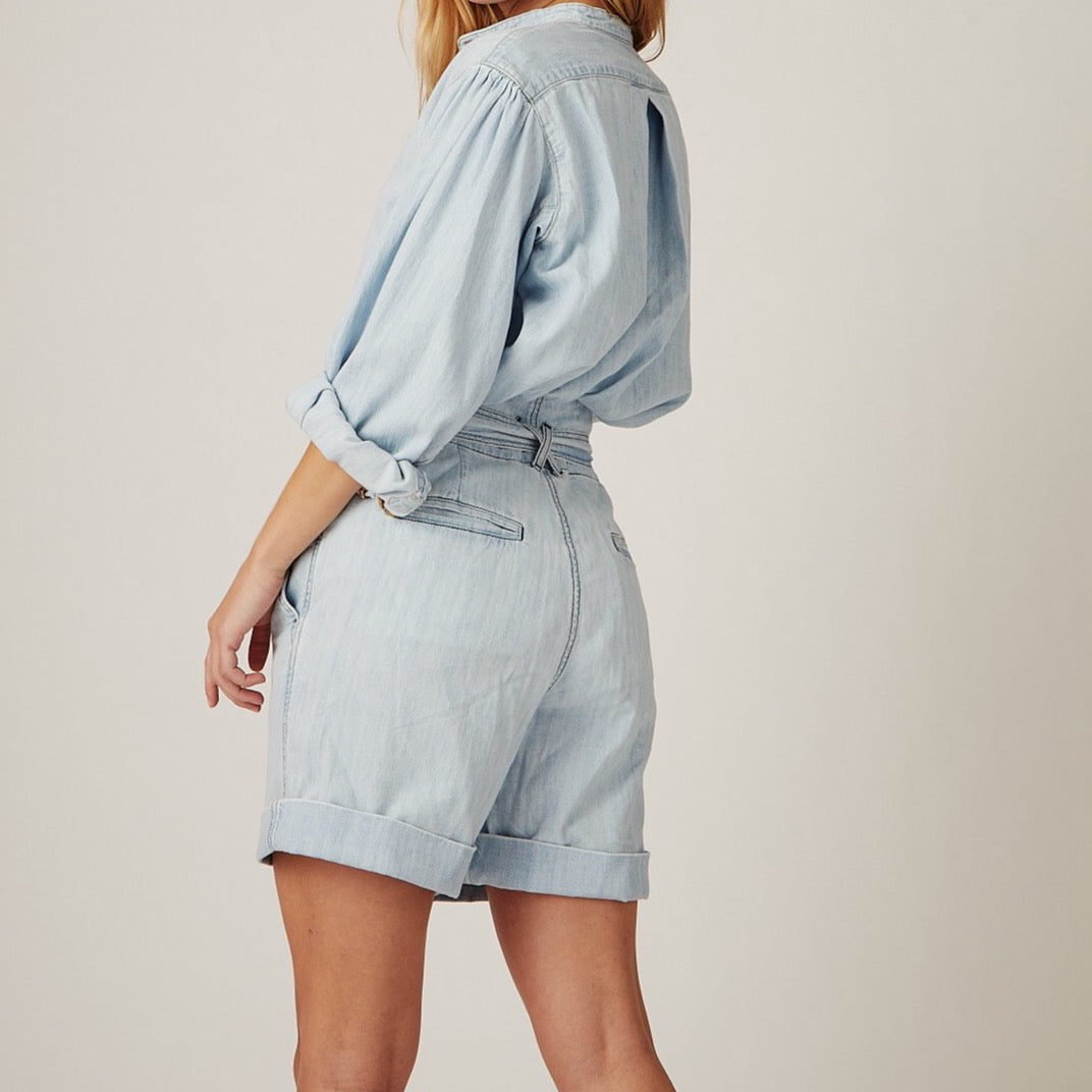 Wallace Shorts in Bleached Blue