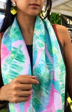 Load image into Gallery viewer, Tropical Banana Leaf Infinity scarf