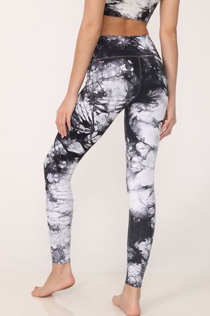 Dani Tie-Dye Legging in Black-White - ALAMAE