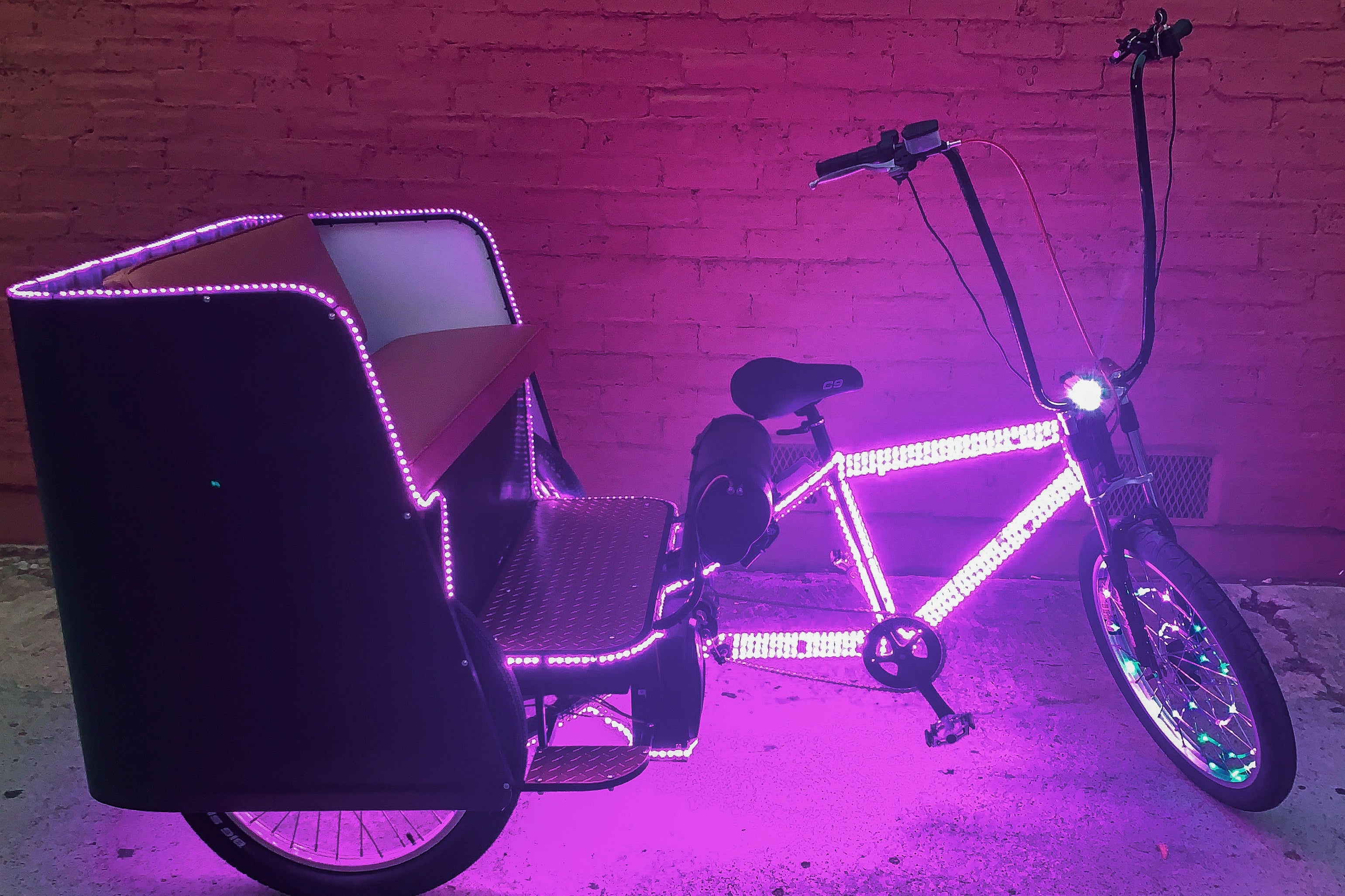 New Custom Rickshaw Pedicabs - VIP Custom Cycles