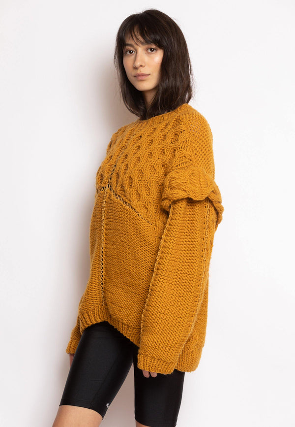 Pullover with Enhansed Knitted Shoulders