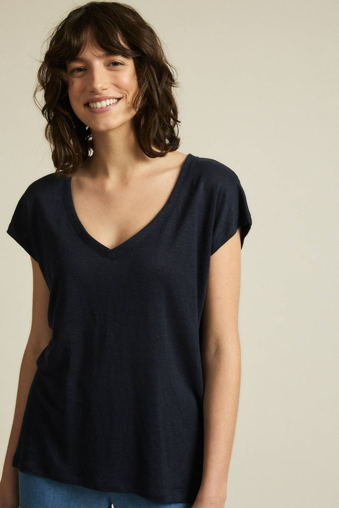 Shirt with V-neck made of organic linen - night sky
