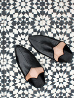 MOROCCAN POINTED BABOUCHE SLIPPERS - BLACK