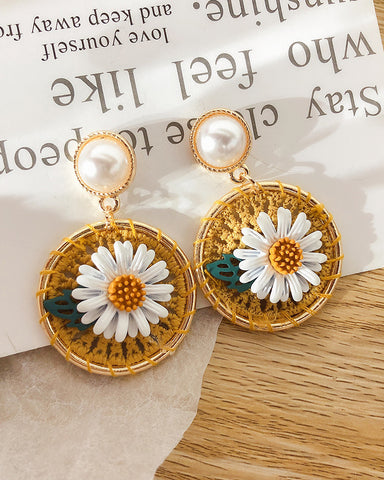 Pearl Woven Floral Pattern Earrings