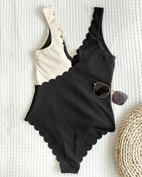 Colorblock Scallop Trim Padded One Piece Swimsuit