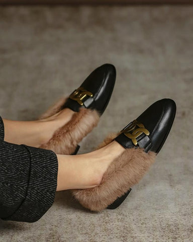 Rounted-toe Hardware Three Rings Fluffy Loafers