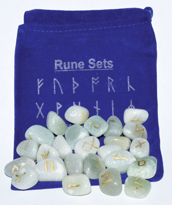 Green Aventurine Rune Set