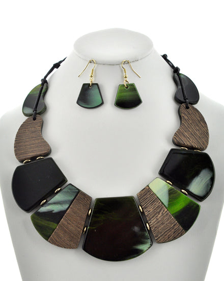 Green Island Necklace Set