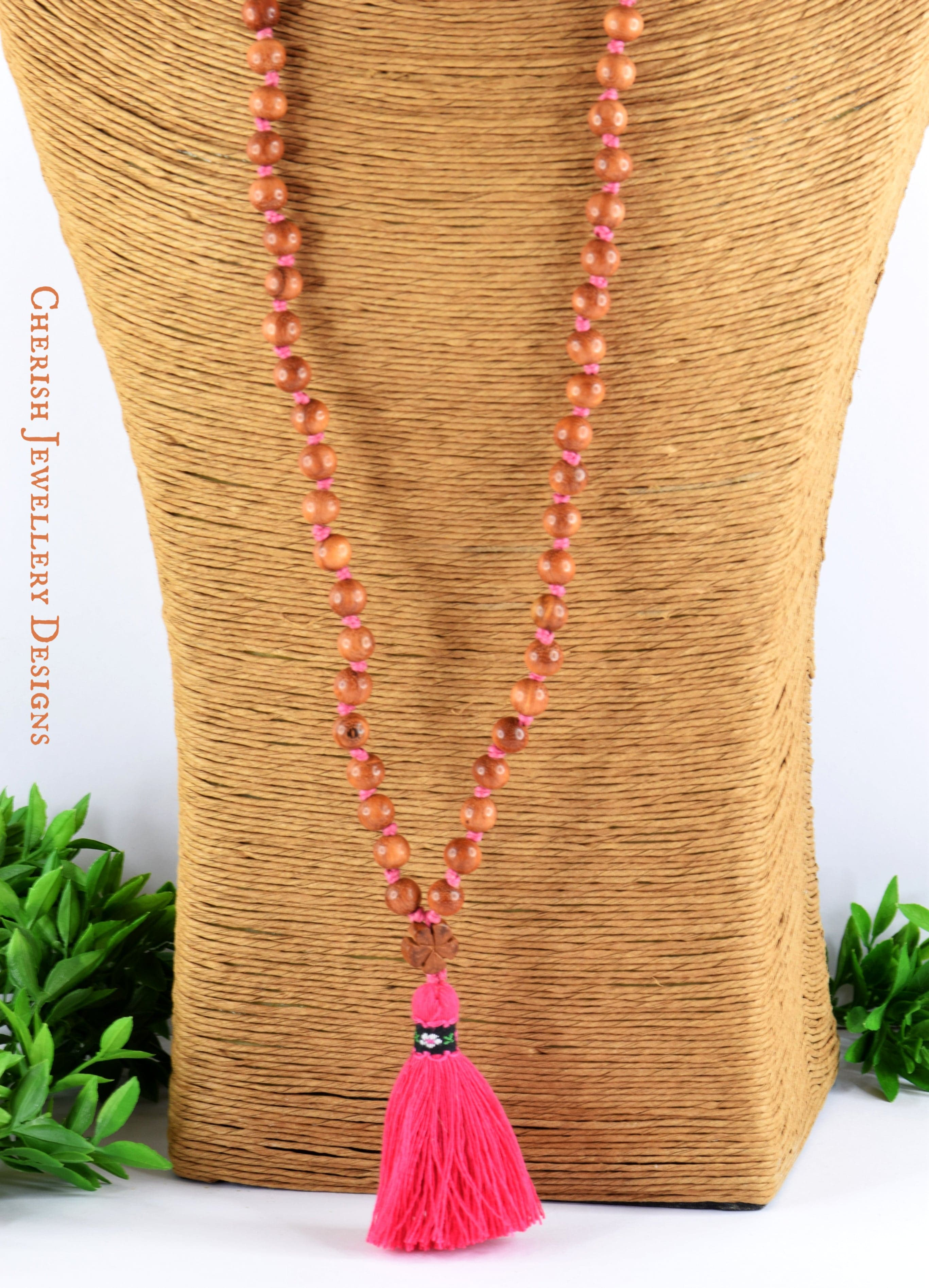 Claire Country Necklace in Fushia