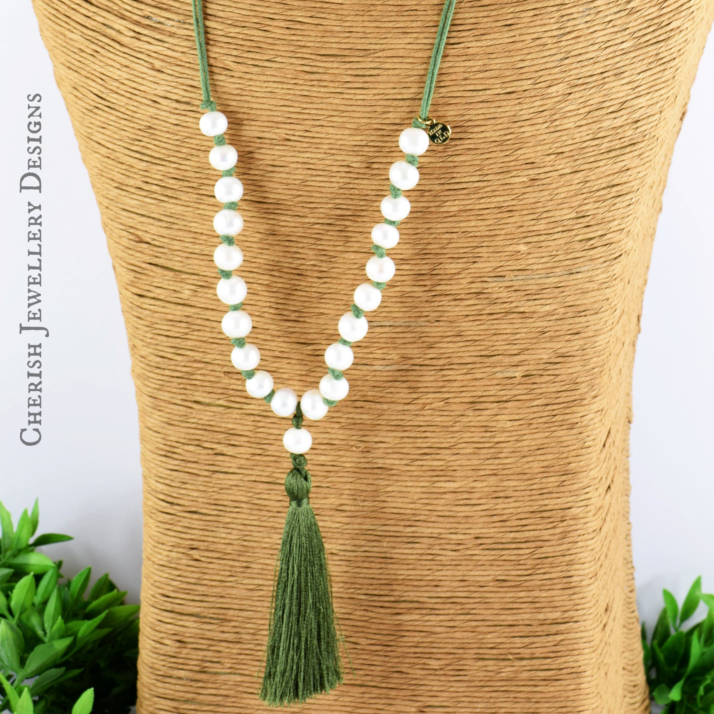 Lillian Pearl & Tassel Necklace - Olive